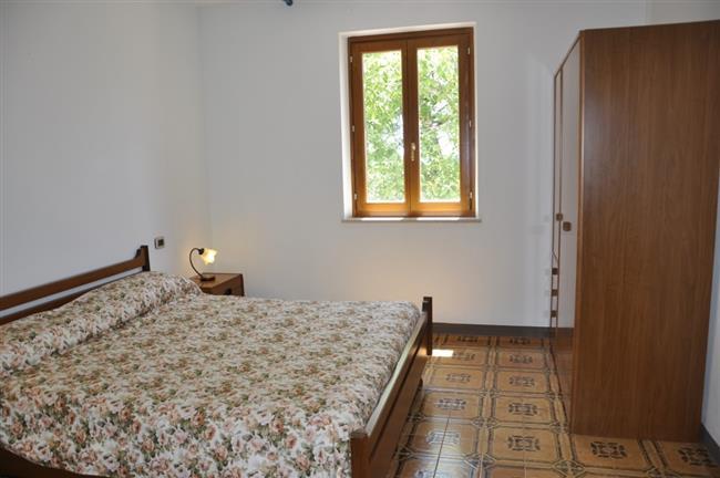 Doppelschlafzimmer + 1 Einzelbett
